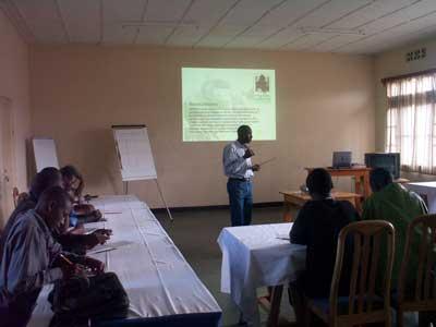 Serge Nsengimana, Karisoke Education Officer, presenting to National University of Rwanda students